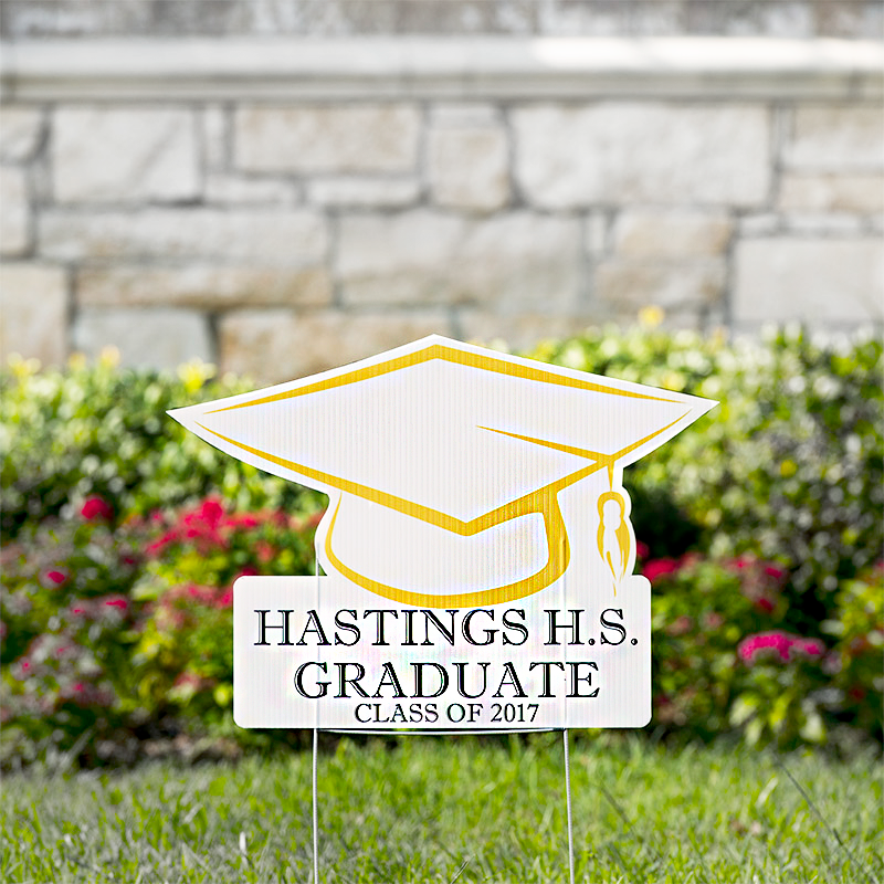 Graduation Hat Yard Signs